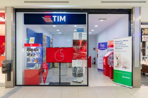 Tim - Centro Commerciale Opera
